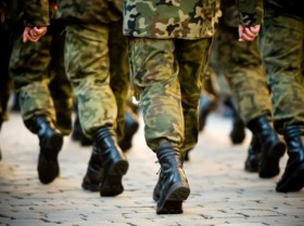 karinė apranga